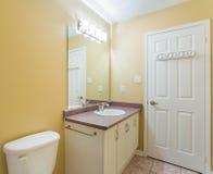 2 зеркала светильника конструкции ванной комнаты ванны 3d люд мозаики голубых творческих пустых нутряных самомоднейших представля Стоковое Изображение