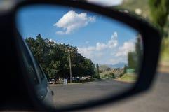 Зеркало заднего вида в Clarens, освободившееся государство, Южной Африке Стоковое фото RF