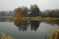 Зеркало на воде Стоковые Фотографии RF