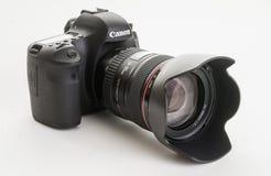 Зеркальная камера одиночной линзы EOS 6D современная цифров канона Стоковое фото RF