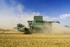 зернокомбайн земледелия Стоковые Фотографии RF