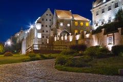 Зернохранилища города Grudziadz на ноче Стоковые Фотографии RF