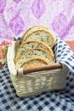 зерно хлеба все Отрежьте в части Стоковые Изображения RF