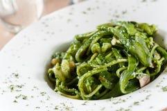 Зеленая лапша креветки соуса стоковые изображения rf