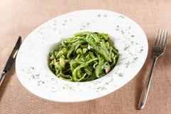 Зеленая лапша креветки соуса стоковая фотография rf