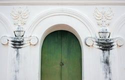 Зеленая дверь свода Стоковая Фотография RF