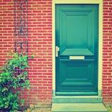 Зеленая дверь стоковое изображение