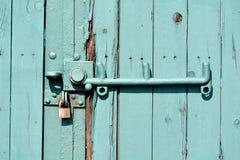 Зеленая дверь стоковая фотография