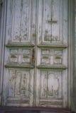 Зеленая дверь Grunge с номер два Стоковое Изображение