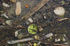 зеленая вода загрязнения примечания стоковые изображения rf