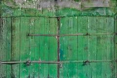 Зеленая деревянная дверь Стоковое Изображение