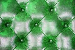 Зеленая кожаная предпосылка софы драпирования для украшения Стоковая Фотография RF