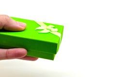 зеленая коробка подарка Стоковые Фотографии RF