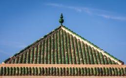 Зеленая крыша Pantile в Marrakesh, Марокко стоковое фото