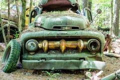 Зеленая приемистость Форда с массивнейшим грилем Стоковые Изображения RF