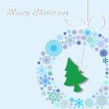 Зеленая рождественская елка была повешена на венке Бесплатная Иллюстрация