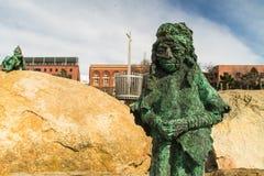Зеленая статуя вниз с портового района Стоковые Фотографии RF