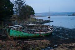 Зеленая шлюпка на Skye Стоковые Фото