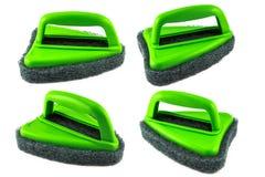Зеленая щетка губки на белой предпосылке Стоковое Изображение RF