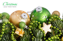 Зеленое и золотое рождество орнаментирует границу Стоковое Изображение