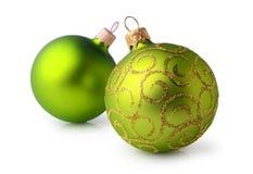 2 зеленое и золотые шарики рождества Стоковая Фотография RF