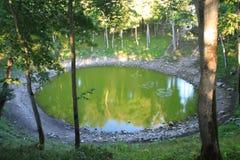 зеленое озеро Стоковая Фотография