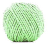 Зеленое пасмо шерстей, вязать шарик потока изолированный на белой предпосылке Стоковое фото RF