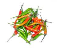 Зеленое Chilis с красным Chilis Стоковое Изображение