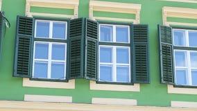 Зеленое Windows с штарками акции видеоматериалы