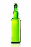 Зеленые бутылки пива на белизне Стоковая Фотография