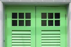 Зеленые двери Стоковые Фотографии RF