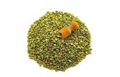 Зеленые горохи с лопаткоулавливателем Стоковая Фотография RF