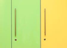 Зеленые и желтые шкафчики Стоковые Изображения RF