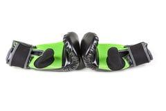 Зеленые и черные перчатки бокса Стоковое Изображение