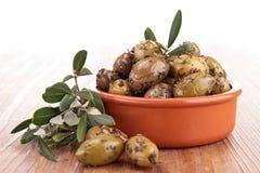 Зеленые оливки и ветвь Стоковая Фотография