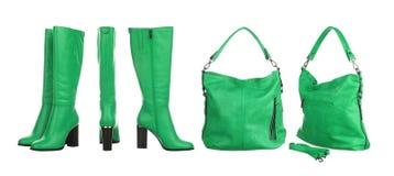 Зеленые сумка и ботинки стоковые изображения rf