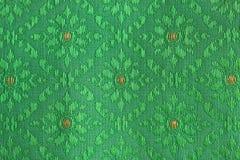 Зеленые цветки конструировали тайский шелк Стоковое фото RF