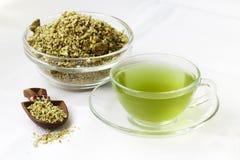 Зеленые чай и песчинки кофе Стоковые Фотографии RF