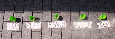 Зеленые чашки подсказки с ярлыками Стоковое Изображение RF