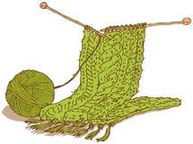 Зеленые шарф шерстей и моток пряжи Стоковая Фотография RF