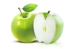 Зеленые яблоки изолированные с путем клиппирования Стоковые Изображения