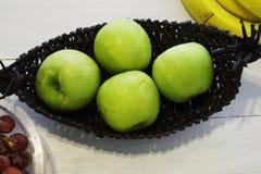 Зеленые яблоки Стоковое Фото