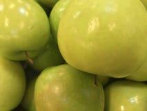 Зеленые яблоки стоковые фотографии rf