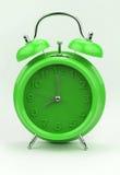 Зеленый будильник, изображение конца поднимающее вверх Стоковое Изображение