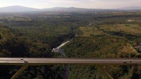 Зеленый горизонт моста металла сток-видео