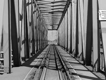 Зеленый железнодорожный мост стоковое изображение rf