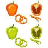 Зеленый и оранжевый болгарский перец Целый и кусок изолированные на белой предпосылке Стоковая Фотография