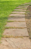 Зеленый кубический путь прогулки Стоковая Фотография RF
