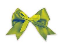 Зеленый смычок на белизне Стоковое фото RF