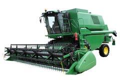 Зеленый современный зернокомбайн Стоковые Фотографии RF